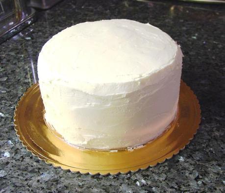 Come preparare una torta per rivestirla con glassa - Decorare frigorifero ...