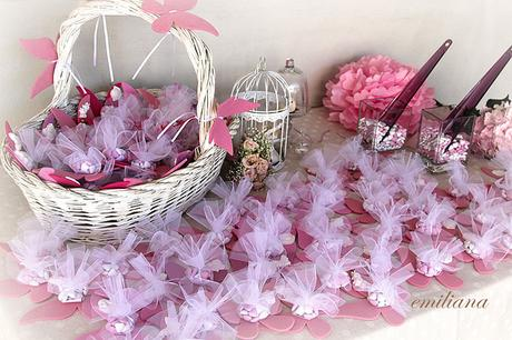 Bomboniere Di Carta Battesimo : Bomboniere fiori di carta e pon pon per il battesimo di elena