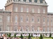 Torino bianco vestita.