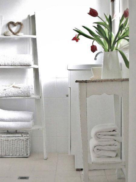 Riutilizzare una vecchia scala in legno paperblog - Scala per bagno ...