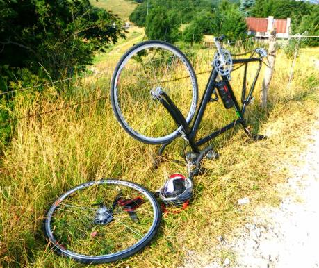 Punctures to reach Passo del Branchetto on road bike (19/7, 2015)