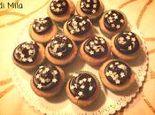 Cupcake alla vaniglia glassa cioccolato