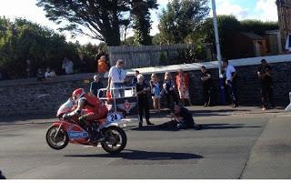 Bambini Bambini Moto STUNT MOTO SET B//O noci pista SUONO UK STOCK