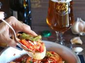 Gamberi piccanti peperoncini verdi mandole tostate Spicy Prawns with Green Peppers Toasted Almonds