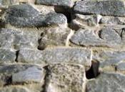 Costruzione 196: Piano nobile perimetro murario paramento dìcromo