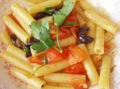 Pasta olive capperi pomodorini veloce