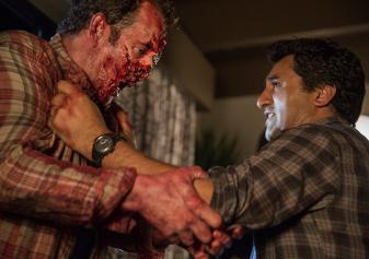 70569-fear-the-walking-dead-episode-103-travis-curtis-v-zombie