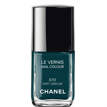 chanel-vert-nails