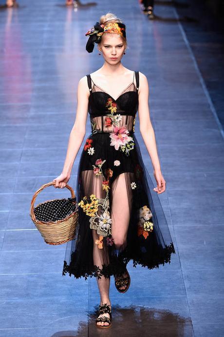 Milano Moda Donna PE 2016  la sfilata di Dolce   Gabbana  34423158055