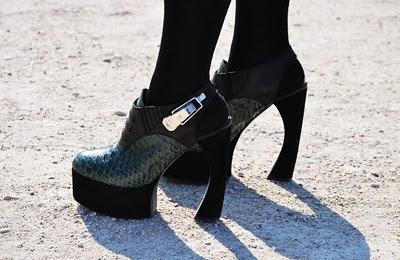 Latest Obsession : Proenza Schouler Curved Heels