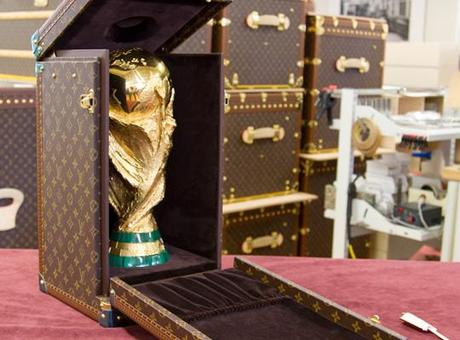 ESCLUSIVO: Louis Vuitton FIFA World Cup Trophy 2010 Travel Case