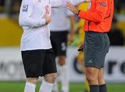 "africa, arbitro accusa rooney: gran maleducato"" south referee against ""he's great vulgar rude"""