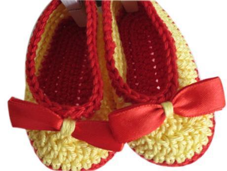 scarpe-uncinetto-idea-regalo-neonata copia
