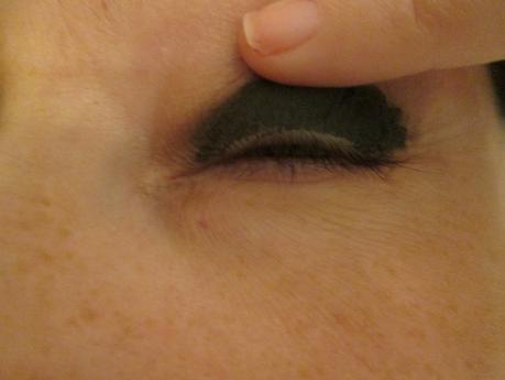 Smokey eyes nero intenso con Maybelline