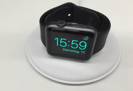 Il dock da ricarica per Apple Watch ora dispinibile negli Apple Store europei