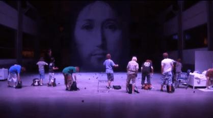 Bombe su Cristo, diffida per lo spettacolo