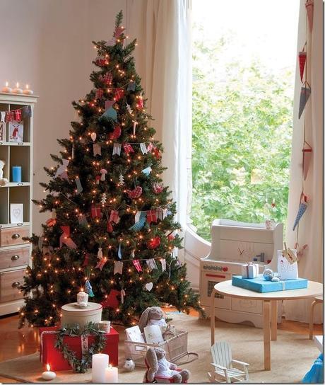 8 idee per decorare l 39 albero di natale paperblog for Idee per arredare casa a natale