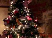 L'albero Natale cresce bimbi