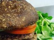 "Hamburger alla ""Nuares"" (Manzo, salam d'la Duja Fidighina) crema Gorgonzola Puntarelle croccanti"