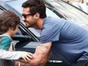 Fabrizio Corona Belen Rodriguez portano piccolo Carlos Parigi senza consenso della madre Moric. Lucio Presta silura