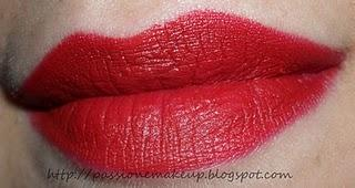 M·A·C: rossetto Russian Red