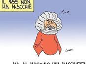 Grillo cura schizofrenia degli elettori nell'ambulatorio teatrale