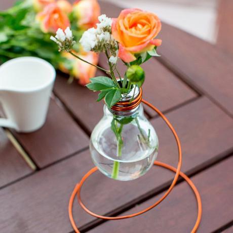 DIY – Crea un vaso di design con lampadine esauste - Paperblog