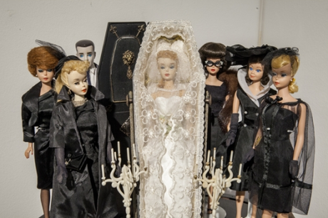 Barbie_Funeral_Home