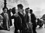 """Bacio"""": bellissima poesia scritta Pablo Neruda"""