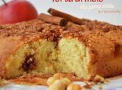 Torta mele senza glutine panna acida noccioline