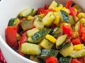 Insalata tiepida zucchine, peperoni mais