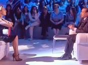 Domenica Live: Barbara d'Urso intervista Silvio Berlusconi conclude l'ospitata barzelletta: Eravamo Obama, Putin Papa… VIDEO