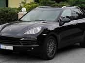 Porsche Cayenne sosta vietata, multa 20.000 euro [FOTO] [del.icio.us]