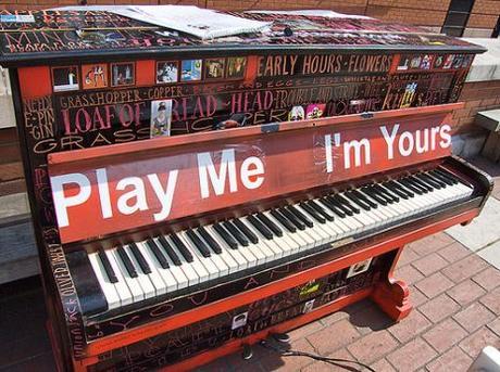 Play Me I'm Yourstorna a Parigi