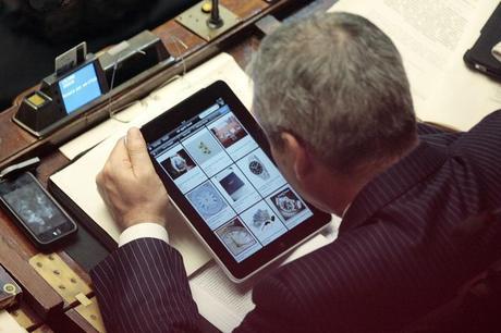 Deputati in aula giocano con l 39 ipad foto paperblog for Numero deputati italiani