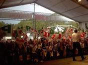 "Referendum, Renzi: ""Disponibilità totale cambiare Italicum"". Scontri polizia manifestanti"