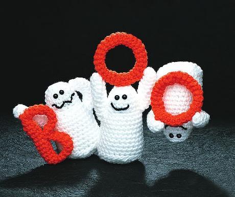 Schema per fantasma di Halloween a uncinetto.   385x460