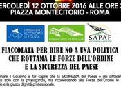 """""""Una luce sicurezza"""": fiaccolata delle Forze dell'Ordine piazza Montecitorio"""
