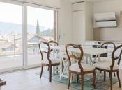 Sedie antiche tavolo bianco arredo total white contrasto antico moderno