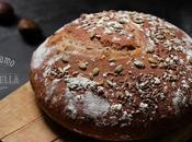 Pagnotta rustica semi misti farina castagne pane d'autunno
