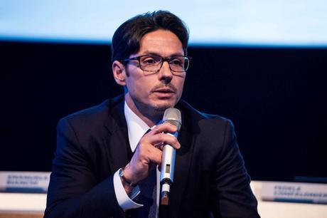 Vivendi punta al 30% Mediaset. Fininvest a Consob, 'manipolano mercato, abusano informazioni'