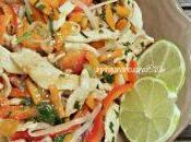 Noodles thai pollo salsa burro arachidi lime