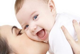 Bonus famiglia 2017, 800 euro per il beb