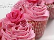 Cupcake decorati frosting cheese cream: cioccolato stelline, alla vaniglia rose pasta zucchero