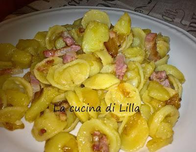 Primi: Pasta con patate, pancetta e cipolla
