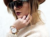 Cappotto color cammello, maglione cozy orologio Mockberg