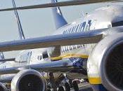 Dirigenti Alitalia censurano Espresso: niente rivista bordo loro voli, ecco perché...