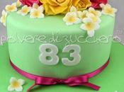 Torta compleanno fiori: rose gialle fucsia pasta zucchero
