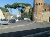 Passeggiata romana mattina primaverile febbraio