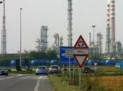 SANNAZZARO (pv). presidente Bonanni torna ribadire l'urgenza togliere l'amianto dalla raffineria ENI.